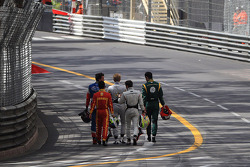 Start of the race, Crash, The drivers going to pit lane