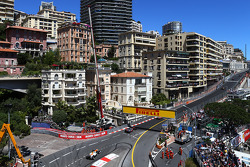 Sergio Perez, McLaren MP4-28 leads Adrian Sutil, Sahara Force India VJM06