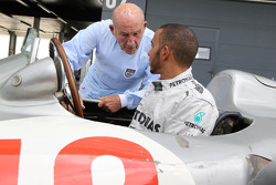 Stirling Moss and Lewis Hamilton chat