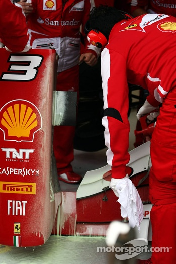 The front wing of Fernando Alonso, Ferrari F138 is covered in flow-vis paint
