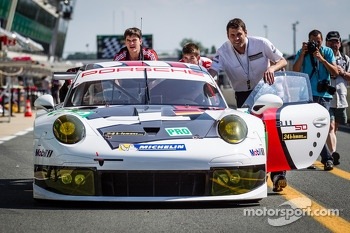 #92 Porsche AG Team Manthey Porsche 991 RSR