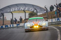 #99 Aston Martin Racing Aston Martin Vantage GTE: Rob Bell, Frédéric Makowiecki, Bruno Senna, Jonny Adam