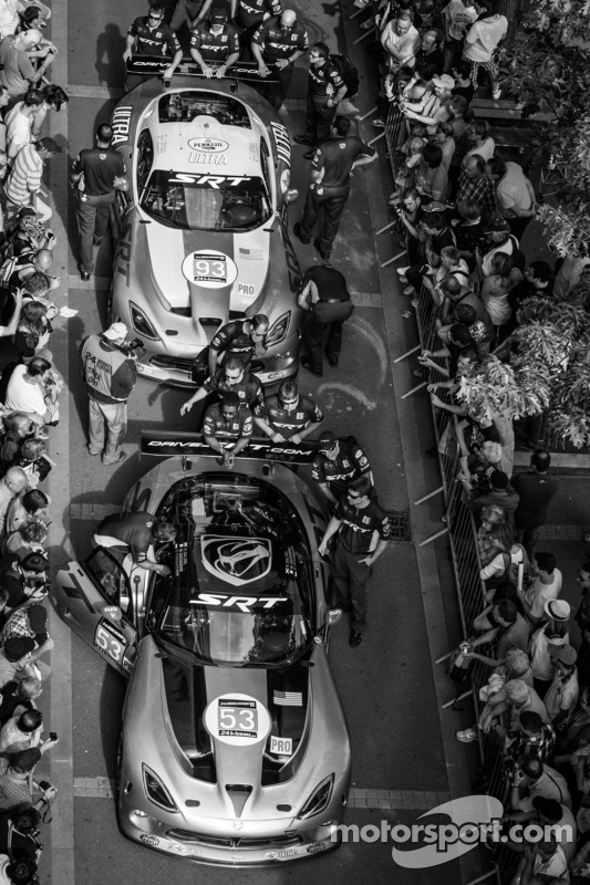 #53 SRT Motorsports Viper SRT GTS-R, #93 SRT Motorsports Viper SRT GTS-R