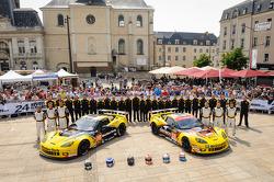 #70 Larbre Compétition Corvette C6.R: Philippe Dumas, Manuel Rodrigues, Cooper MacNeil, #50 Larbre Compétition Corvette C6 ZR1: Patrick Bornhauser, Julien Canal, Ricky Taylor