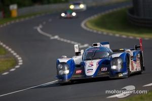 #8 Toyota Racing Toyota TS030 Hybrid: Anthony Davidson, Stéphane Sarrazin, Sebastien Buemi