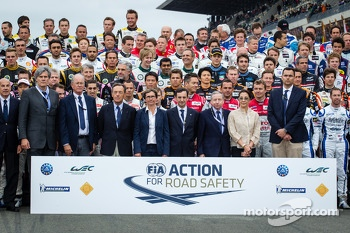 The traditional group shot of the 2013 24 Hours of Le Mans drivers with FIA President Jean Todt, wife Michelle Yeoh, ACO President François Fillon, and Jim France