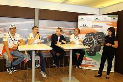 Adrian Sutil, Sahara Force India F1; Paul di Resta, Sahara Force India F1; Jordy Cobelens, CEO TW Steel; Robert Fernley, Sahara Force India F1 Team Deputy Team Principal; Lee McKenzie, BBC Television Reporter at a TW Steel media call.