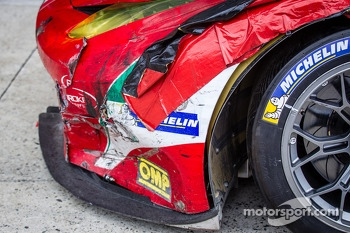 Damage on the#51 AF Corse Ferrari F458 Italia