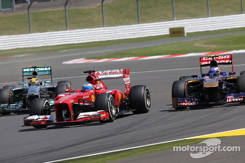 Fernando Alonso, Scuderia Ferrari and Daniel Ricciardo, Scuderia Toro Rosso