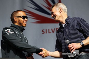 Lewis Hamilton Mercedes AMG F1 and Tony Jardine at the post race concert