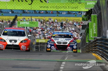 Fernando Monje, SEAT Leon WTCC, Campo Racing and Tom Coronel, BMW E90 320 TC, ROAL Motorsport