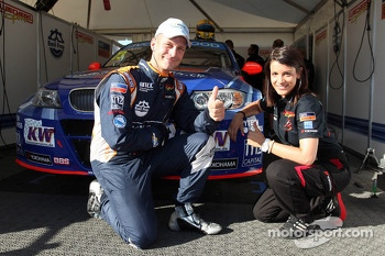 Fredy Barth, BMW E90 320 TC, Wiechers-Sport and Miss Yokohama
