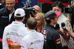 (L to R): Adrian Sutil, Sahara Force India F1 and Daniel Ricciardo, Scuderia Toro Rosso with the media