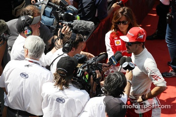 Fernando Alonso, Ferrari with Will Buxton, NBS Sports Network TV Presenter