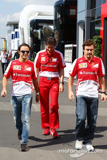(L to R): Felipe Massa, Ferrari with team mate Fernando Alonso, Ferrari