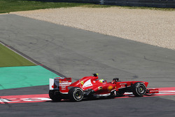 Felipe Massa, Ferrari F138 spins out of the race