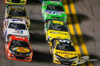 Marcos Ambrose, Richard Petty Motorsports Ford, Tony Stewart, Stewart-Haas Racing Chevrolet, Carl Edwards, Roush Fenway Racing Ford, Jamie McMurray, Earnhardt Ganassi Racing Chevrolet