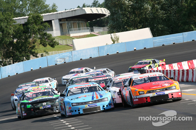 Saturday Open race action