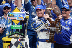 Race winner Brian Vickers, Michael Waltrip Racing Toyota