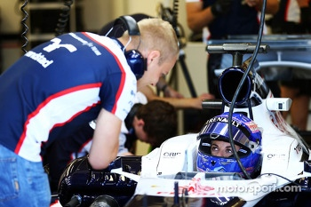 Valtteri Bottas, Williams FW35 talks with Susie Wolff, Williams FW35 Development Driver