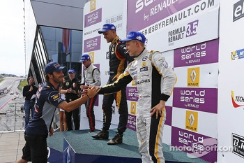 Podium: Jean-Eric Vergne with winner Marco Sorensen, second place Nigel Melker, third place Kevin Magnussen