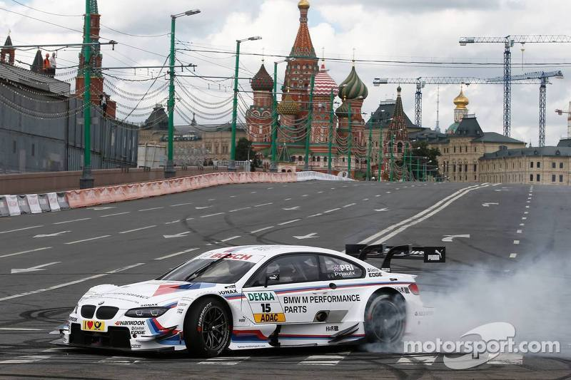 Andy Priaulx does a demonstration run in a BMW DTM