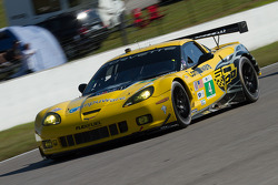 #4 Flying Lizard Motorsports Chevrolet Corvette C6 ZR1: Oliver Gavin, Tom Milner