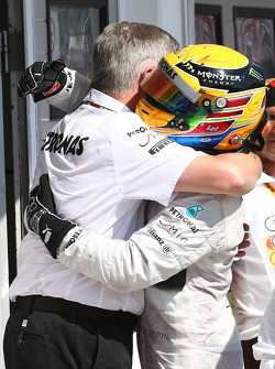 Ross Brawn, Mercedes AMG F1 Team Principal and Lewis Hamilton, Mercedes AMG F1