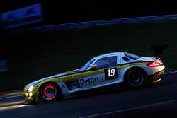 #19 Black Falcon, Mercedes-Benz SLS AMG GT3: Andrii Lebed, Sergei Afanasiev, Andreas Simonsen, Francesco Castellacci