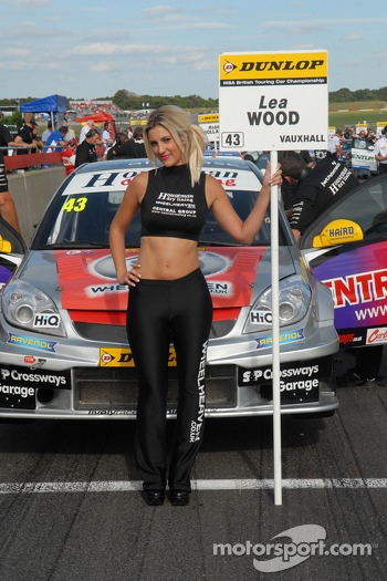 Grid Girl to Lea Wood
