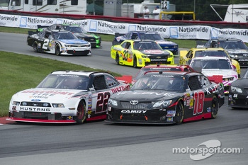 Start: Michael McDowell leads the field to the green