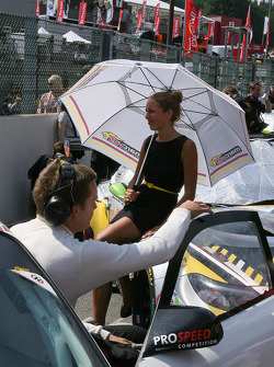 Marc VDS promotion girl