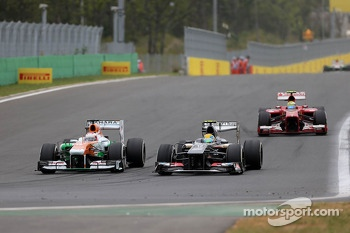 Paul di Resta, Force India Formula One Team and Esteban Gutierrez, Sauber F1 Team
