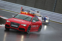 Race under safety car