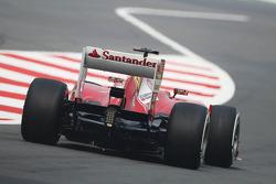 Fernando Alonso, Ferrari F138 leaves the pits
