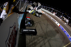 NASCAR-TRUCK: Erik Jones takes the win