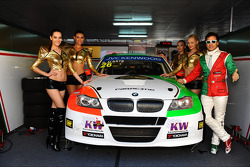 Stefano D'Aste, BMW 320 TC, PB Racing with grid girls