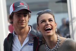 Esteban Gutierrez, Sauber with his girlfriend