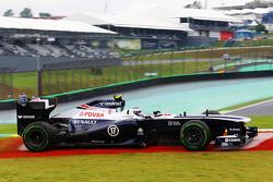Valtteri Bottas, Williams FW35 runs wide