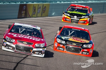 Ryan Newman, Stewart-Haas Racing Chevrolet and Mark Martin, Stewart-Haas Racing Chevrolet