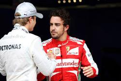 (L to R): Nico Rosberg, Mercedes AMG F1 and Fernando Alonso, Ferrari in parc ferme