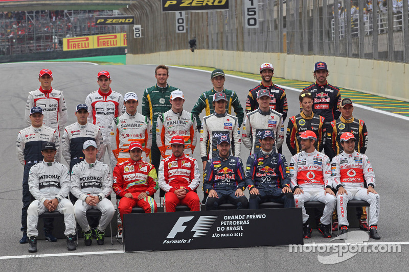 The drivers end of season group photograph
