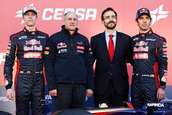 (L to R): Daniil Kvyat, Scuderia Toro Rosso; Franz Tost, Scuderia Toro Rosso Team Principal and Jean-Eric Vergne, Scuderia Toro Rosso, at the unveiling of the Scuderia Toro Rosso STR9