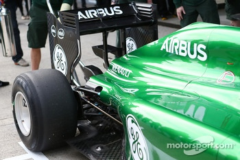 Marcus Ericsson, runs the Caterham CT04 for the first time - rear suspension and rear wing