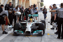 Lewis Hamilton, Mercedes AMG F1 W05 in the pits with sensor equipment