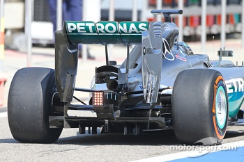 Nico Rosberg, Mercedes AMG F1 W05 rear diffuser and rear wing detail