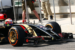 Romain Grosjean, Lotus F1 E22 front wing