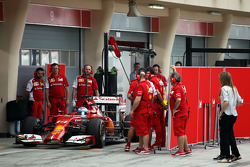 Fernando Alonso, Ferrari F14-T leaves the pits with sensor equipment