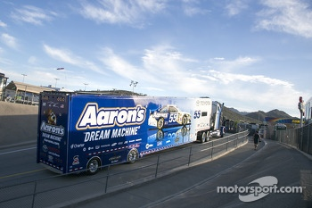 Hauler of Brian Vickers
