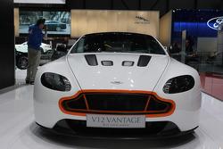 Aston Martin V8 Vantage S Q-lounge